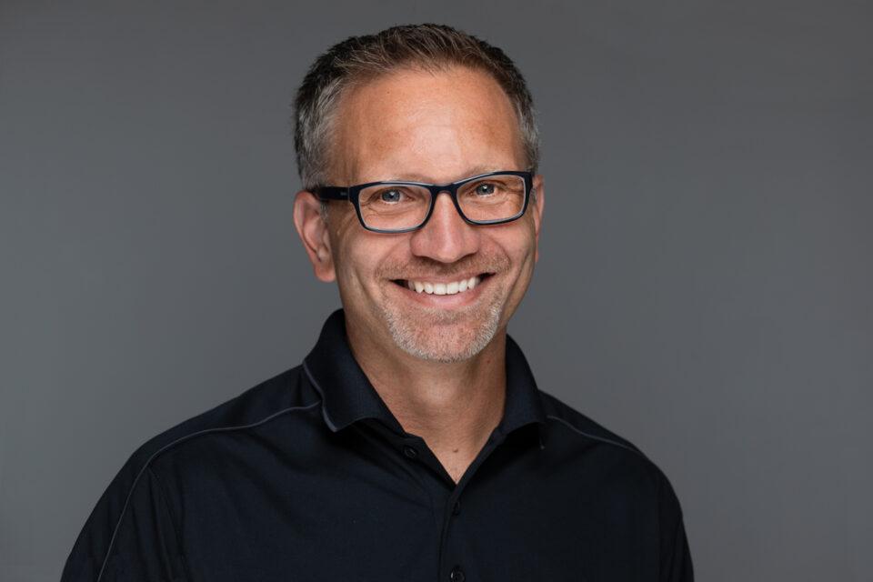 Dennis Hoff